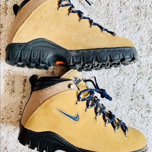 ACG Nike hiking boots men
